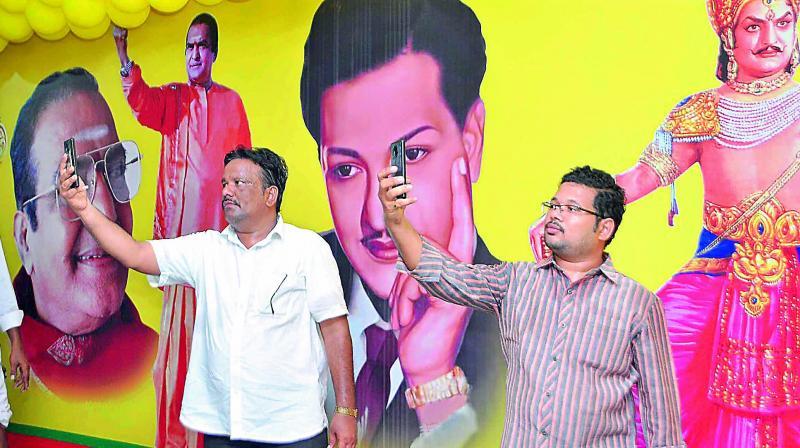 Leaders of NTR Bharat Ratna Sadhana Samiti take up Bharat Ratna signature campaign during TD Mini Mahanadu at Guntur on Tuesday. (Photo: DC)