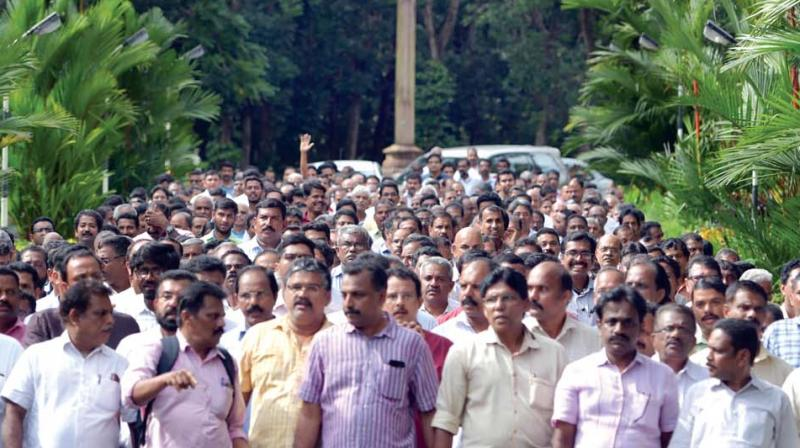 Laity from 16 foranes take out a march to Mount St Thomas in Kochi on Sunday in support of a series of demands raised by them ahead of the Syro-Malabar Church synod scheduled on Monday (Photo: DC)