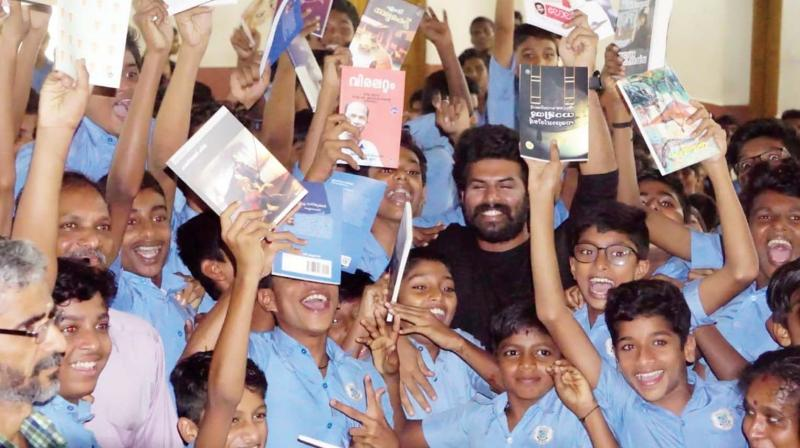 Sunny's social commitment will not stop with this one school; he will be travelling to various other schools to encourage students to read books. Incidentally, director Midhun Manuel Thomas gifted a cupboard to store the books to the same school.