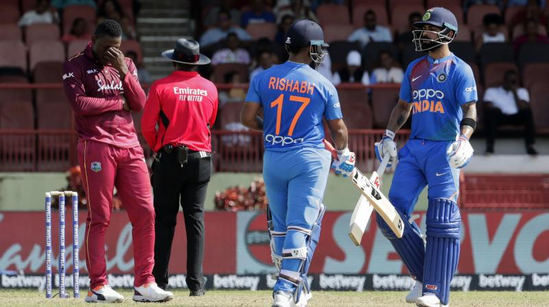 Chasing target of 147 on a slowish deck, skipper Virat Kohli anchored the innings to perfection with 59 off 45 balls while Rishabh Pant was brilliant during his unbeaten 65 off 42 balls. (Photo:AP)