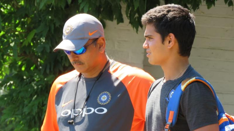 Arjun Tendulkar  spent some time with Team India coach Ravi Shastri, who gave some valuable teams to the youngster. (Photo: Twitter / BCCI)