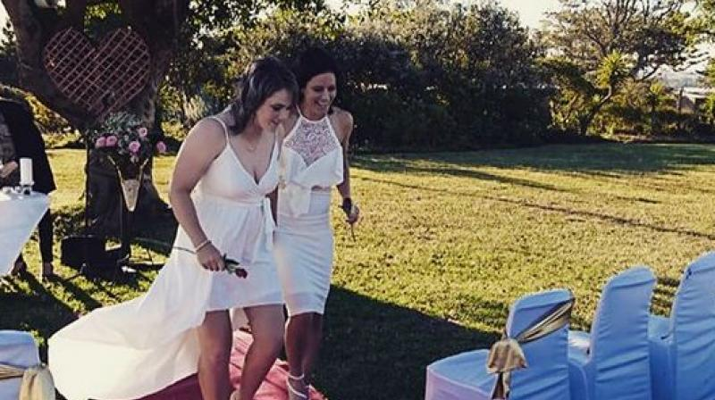 Two South African women cricketers tie the knot