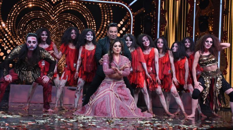Raveena Tandon shook a leg on Bala song.