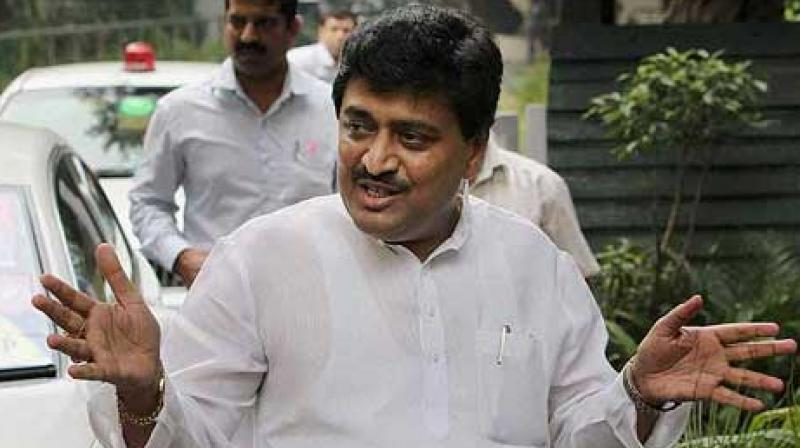 Maharashtra Congress president Ashok Chavan Friday accused Chief Minister Devendra Fadnavis of personally calling up Congress's assembly lawmakers and asking them to join the BJP. (Photo: File)