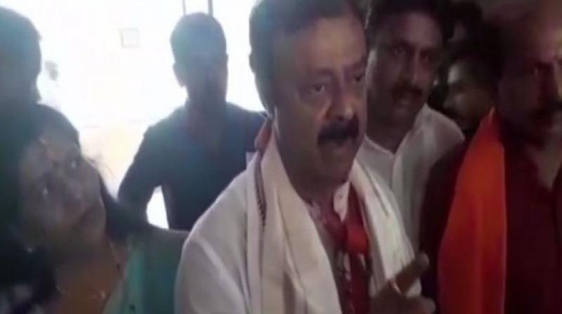 BJP has filed a complaint with the Election Commission (EC) against JD(S) workers for allegedly throwing slippers at Gowda. (Photo: ANI)