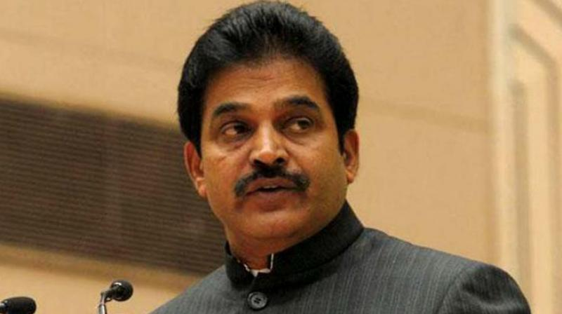 Tumkur District Congress president R Ramakrishna on Saturday wrote to general secretary KC Venugopal blaming party leaders for the defeat of Congress-Janata Dal (Secular) coalition candidate HD Deve Gowda in the Lok Sabha constituency. (Photo: File)
