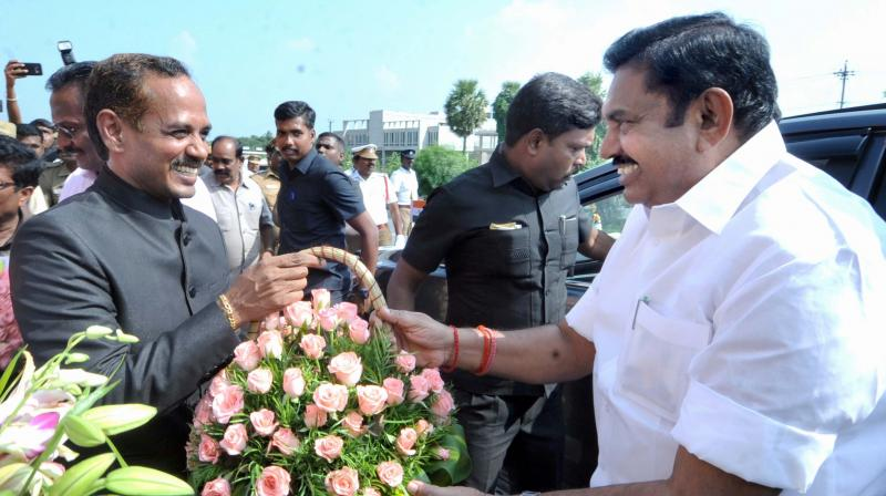 Krishnagiri Collector welcoming Chief Minister Edappadi K Palaniswami.  (DC)