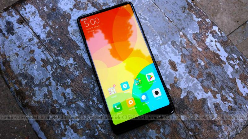 Despite crafted with premium (and delicate) materials, it no weirder to use than a OnePlus 5 or any other smartphone in the affordable flagship category.