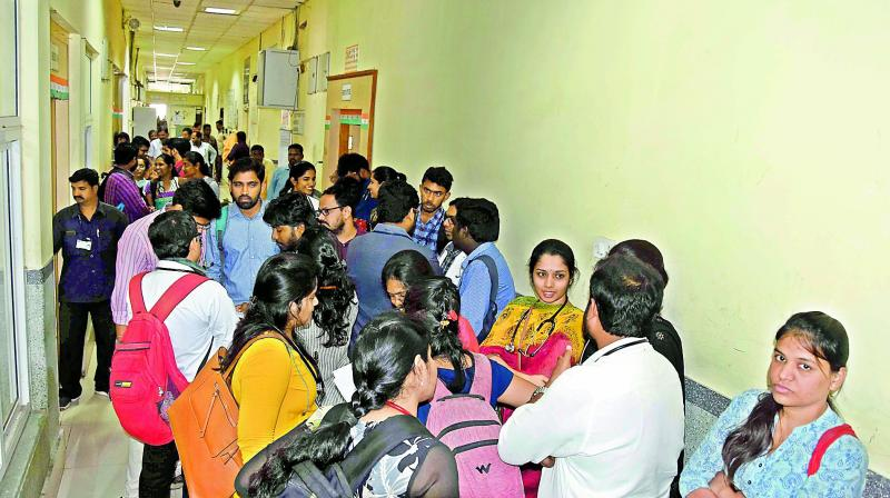 Niloufer Hospital doctors boycott their duties after attack on a doctor by an attendant of a patient who  manhandled a doctor late in early morning while on duty. (Photo: GANDHI)