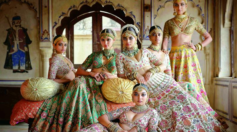 Designer Sabyasachi Mukherjee has never failed to impress us with his stunning wedding attire collections.