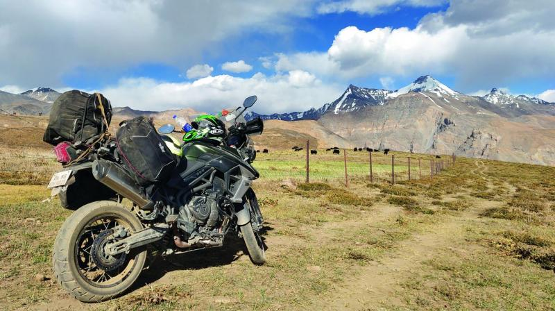 A pitstop en route to Tashigang, overlooking the hills.