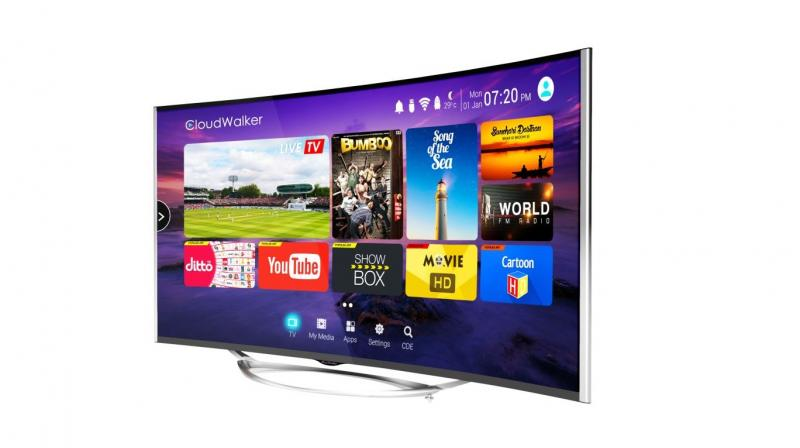 The 55-inch Cloud TV also has a unique user interface that offers a first-of-its-kind 'Screen-Shift' technology that provides a viewing experience of watching Live TV and streaming digital content on the same screen simultaneously.