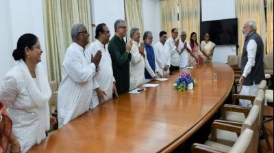 Bhuma Akhila Priya sends lorryload of invites