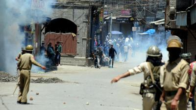 Kashmir Valley is strategically significant and faces the threat of a foreign power aiding insurgency and exporting terror through trained disruptors. (Photo: DC)