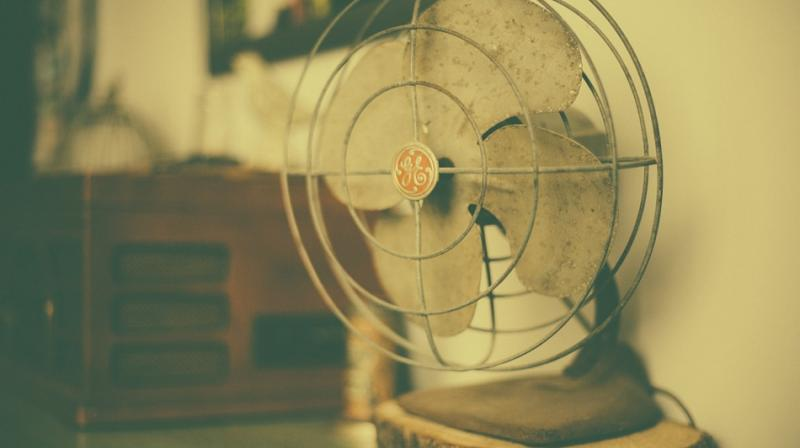 Gentil Unwanted Effects Of Having A Fan In Bedroom Include Allergic Reactions,  Asthma Attacks, Dryness