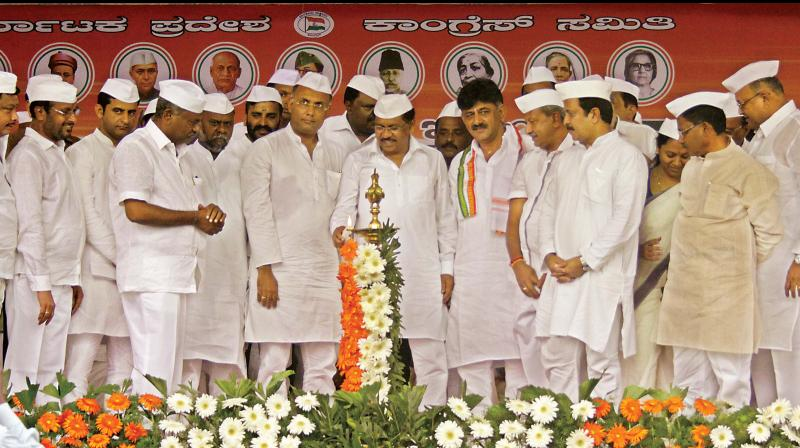 KPCC President Dr. G. Parameshwar, KPCC Working President Dinesh Gundurao, Ministers D.K. Shivakumar, H. Anjaneya and others during the inaugural programe of Quit India Movement convention at Freedom Park in Bengaluru on Wednesday (Photo: DC)
