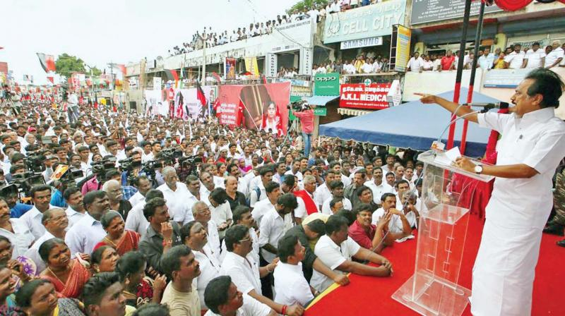 Will Madras HC grant permission for DMK Party for conducting public meetings?