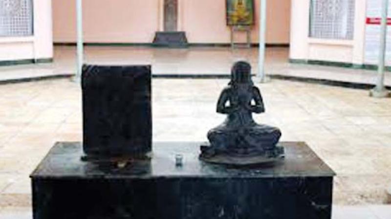 Vijnaneshwara's statue