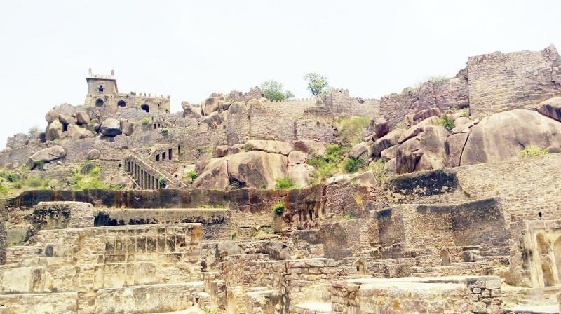 The number of visitors at Golconda fort grew, but remained static at Charminar. The ASI made more money from the 3 monuments in TS than the 5 it maintains in AP.