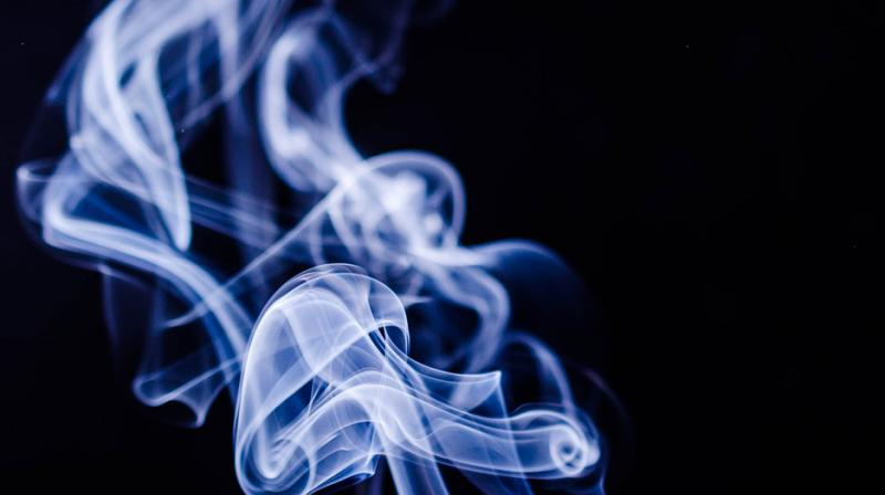 Passive smoking increases your risk of heart disease, study warns. (Photo: Pixabay)