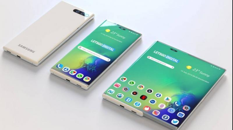 The new design unearthed by LetsGoDigital features a retractable screen, that is normally the size of what looks like a regular sized phone. (Photo: LetsGoDigital)