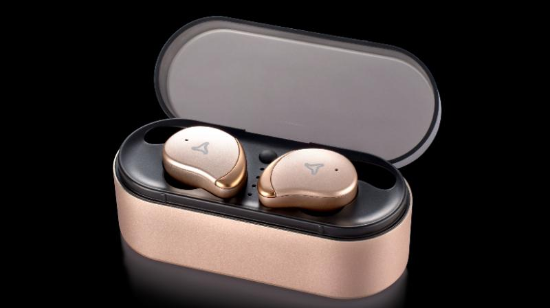 Now you can go wireless with Syska EarGo Wireless Earphones which has a perfect HD bass sound.