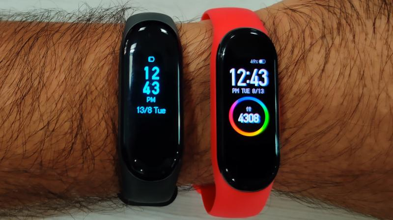 The Mi Band 4 is almost identical to the older version from afar. It is only when you have a closer look that you can distinguish between the two bands.