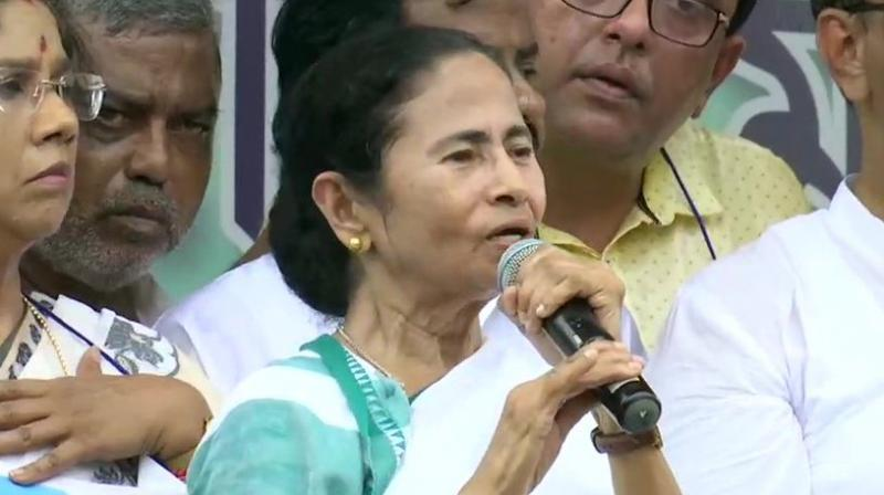 Mamata led the protest march from Sinthee to Shyambazar five-point crossing, 5 kilometre away, in North Kolkata to protest against the NRC in Assam. (Photo: ANI)