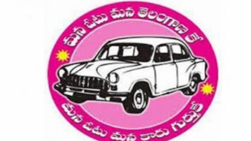 The dissidents of these TRS candidates are holding meetings and opposing the party candidates.