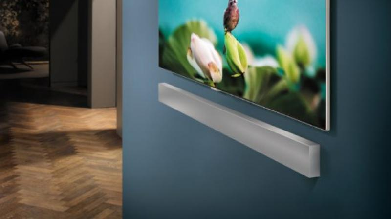 The body of the soundbar also has a built-in woofer, eliminating the need for an external subwoofer.