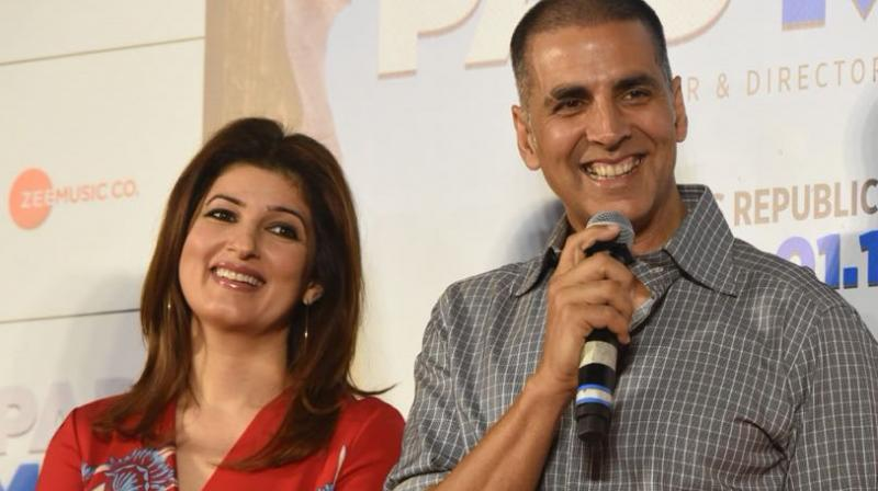 Akshay with wife Twinkle Khanna at the event.