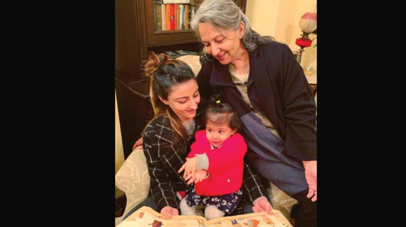 Mother's Day: Janhvi Kapoor shares a cute picture with her mummy Sridevi