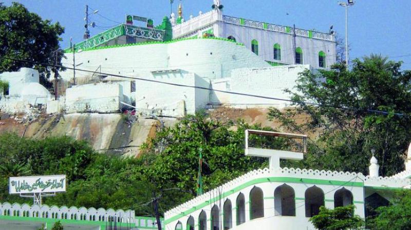 A view of the Pahadi Shareef dargah.