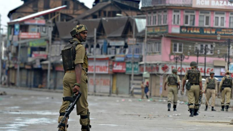 Their departure coincided with a major crackdown by the Indian government, including the arrival of tens of thousands more troops in Kashmir, the detention of hundreds of local leaders and activists, the severing of phone and internet links. (Photo: AFP)