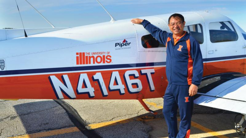 Earlier, Zhang made history on August 7, 2016, when he performed his first flight around the world in a propeller-driven aircraft. He landed safely on September 24 after completing the trip in 49 days. (Photo: illinoisalumni.org)