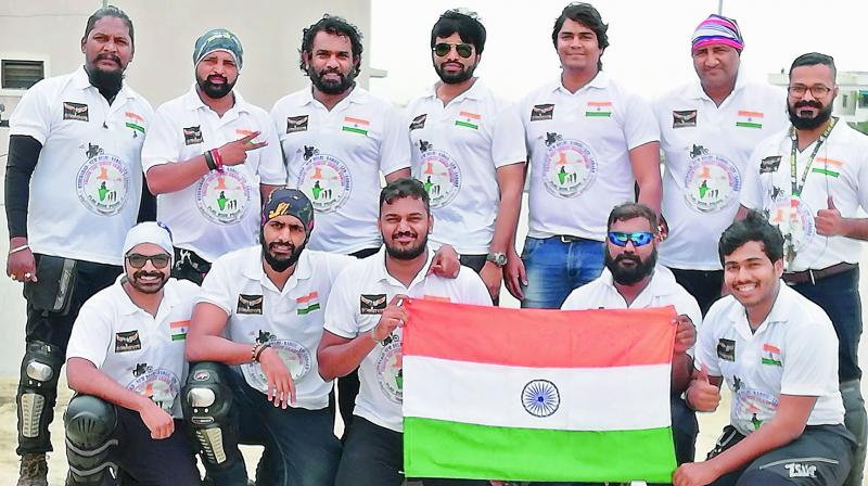 14 members of the bikers club, Wanderers, head to Kargil to pay homage.