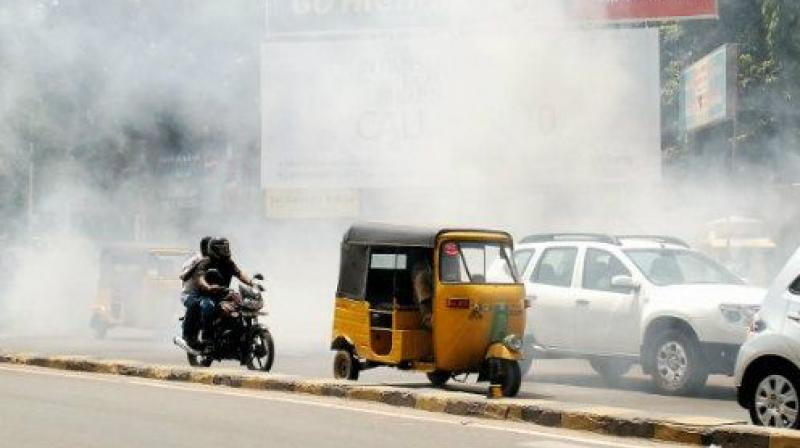The Lancet Commission on Pollution and Health report said, ''People in poorer countries - like construction workers in New Delhi - are more exposed to air pollution and less able to protect themselves from exposure, as they walk, bike or ride the bus to workplaces that may also be polluted.'(Representational Image)