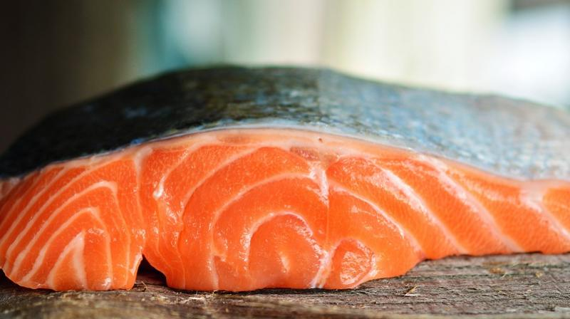 Fatty fish could help drastically reduce risk of multiple sclerosis. (Photo: Pixabay)