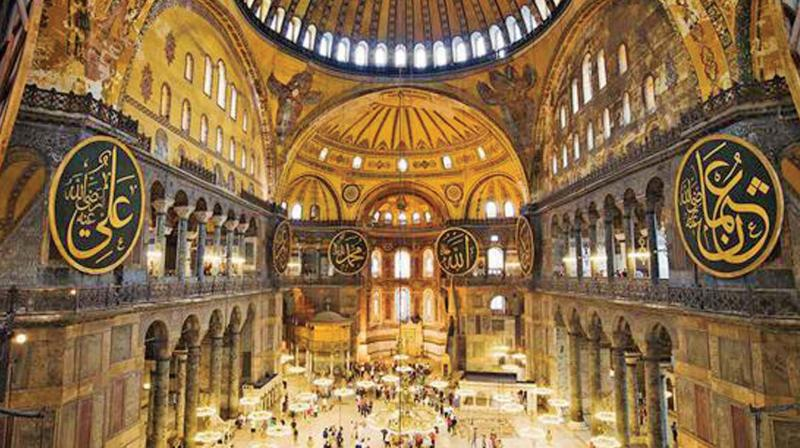 The famous Hagia Sophia dome. (Source: Internet).