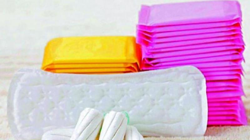 Conventional Sanitary Pads contains 90 per cent plastic combined with 10 per cent antibacterial agents, bleach, and perfumes which disturbs the hormonal functioning while also causing allergies and rashes.