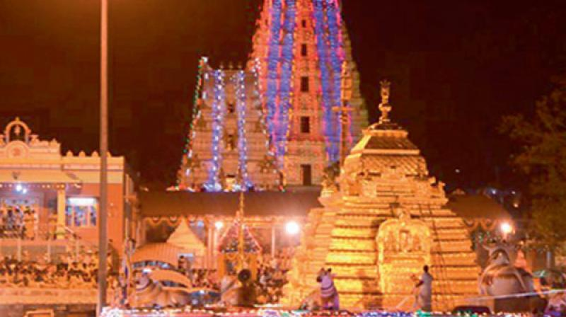 It may be mentioned here that as of now over 1,800 temples in the state are under this scheme of endowments department.