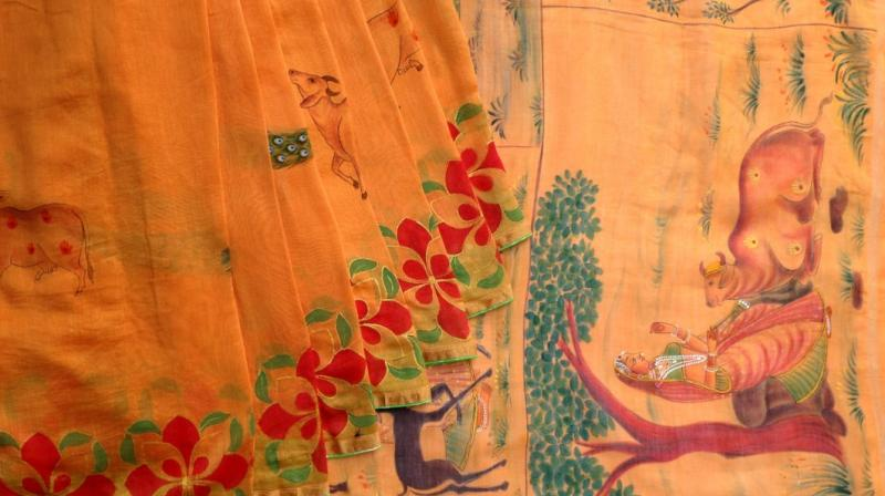 Handloom sarees are woven by pinning the saris to the loom. (Photo: File)