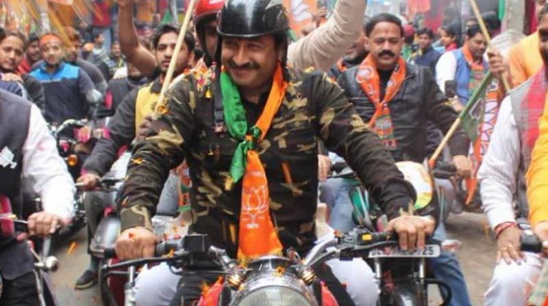 'I wore (it) simply because I felt proud of my Army,' said Manoj Tiwari on Twitter. (Photo: Twitter/Manoj Tiwari)