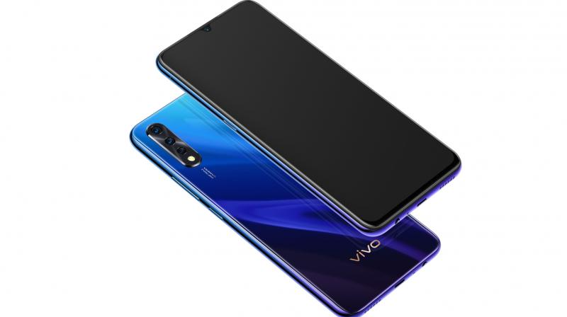 Customers can purchase the new vivo Z1x 8GB at a cashback of 5% with HDFC and ICICI bank.