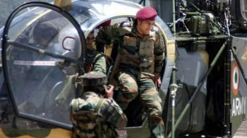 Lieutenant Colonel MS Dhoni gets a hostile reception in Kashmir; watch video
