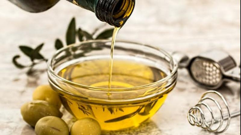 Extra-virgin olive oil is good for your heart. (Photo: Representational/Pexels)