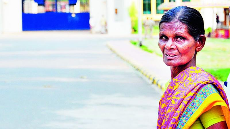 Pidathala Satyam Babu's mother pays him a visit at the Central Prison in Rajahmundry on Saturday.
