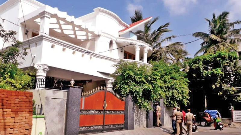 Miscreants broke into the house of a businessman at SBI Colony extension in Nanganallur on Friday afternoon.