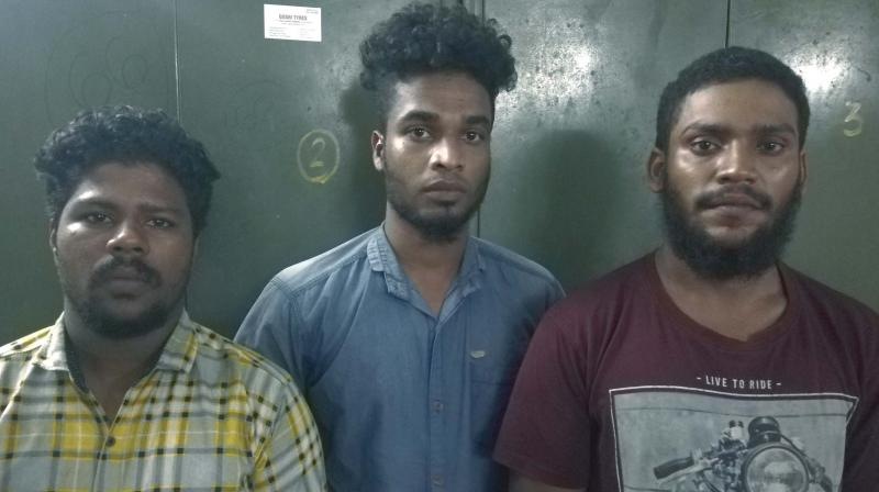 Two of the assailants escaped while three others were arrested