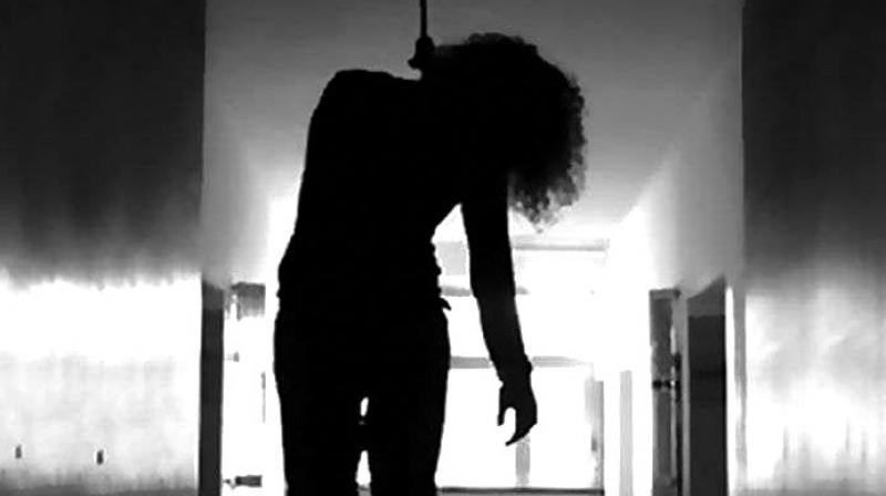 Shocking! Hyderabad MBA Student hangs self during video call with boyfriend